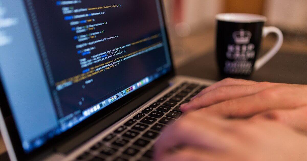 プログラミング初心者におすすめの副業とは?